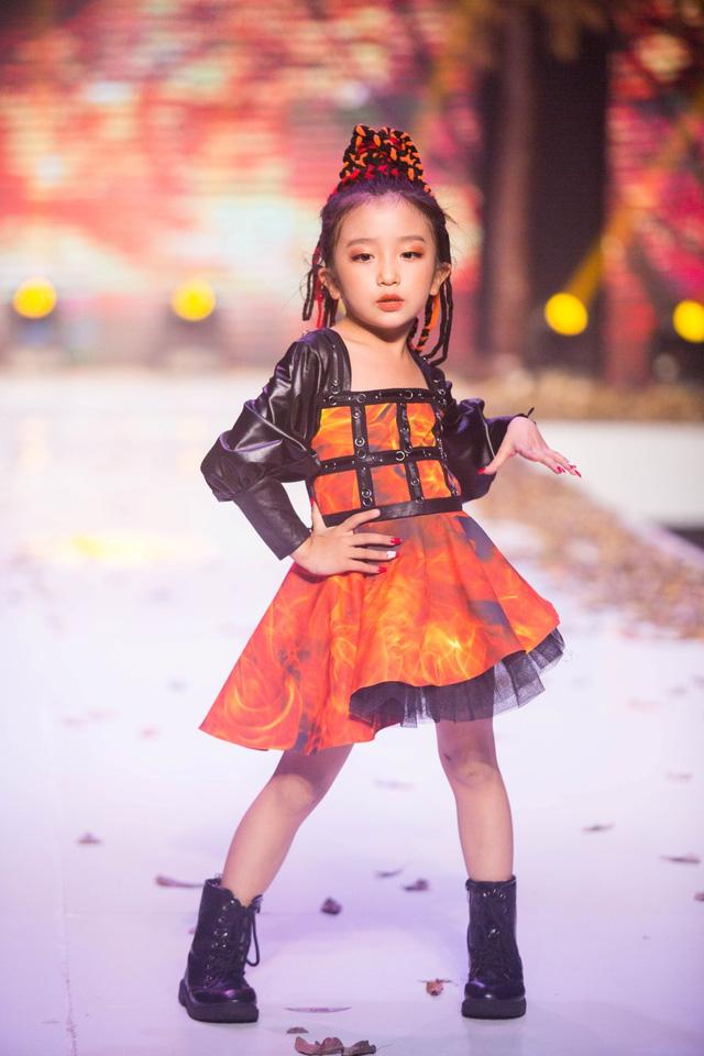 Gần 200 mẫu nhí tỏa sáng trong chương trình thời trang Thu Đông - Ảnh 2.