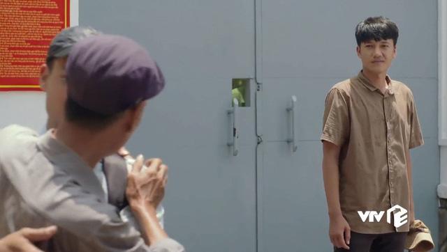 Tiệm ăn dì ghẻ - Tập 1: Ra tù, Minh (Quang Tuấn) khiến khán giả xúc động vì tình yêu dành cho con gái - Ảnh 7.