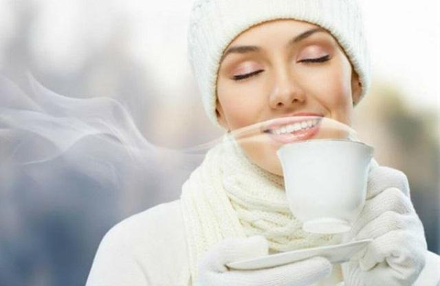 Điều kỳ diệu gì xảy ra nếu bạn uống nước ấm mỗi sáng thức dậy? - Ảnh 2.
