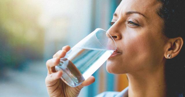 Điều kỳ diệu gì xảy ra nếu bạn uống nước ấm mỗi sáng thức dậy? - Ảnh 9.