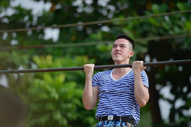 """Minh Châu, B Trần bị cháy nắng, phát ban khi tham gia """"Sao nhập ngũ"""" - Ảnh 1."""