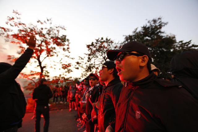CĐV Thái Lan máu lửa trước trận đấu với ĐT Việt Nam tại Mỹ Đình - Ảnh 5.