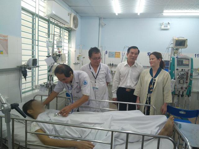 Cứu sống bệnh nhi sốt xuất huyết nặng ở tỉnh không thể chuyển viện - Ảnh 1.