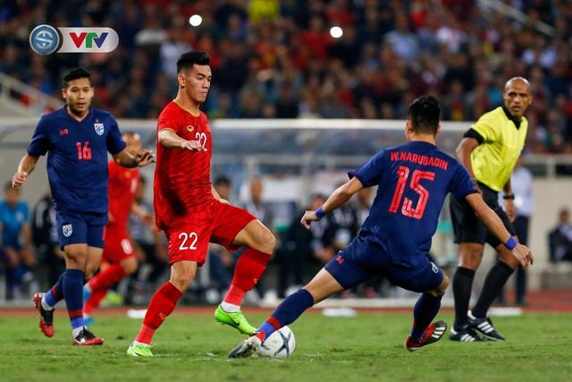 ẢNH: Đặng Văn Lâm tỏa sáng, ĐT Việt Nam bất phân thắng bại với ĐT Thái Lan - Ảnh 2.