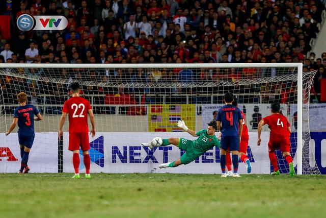 ẢNH: Đặng Văn Lâm tỏa sáng, ĐT Việt Nam bất phân thắng bại với ĐT Thái Lan - Ảnh 8.