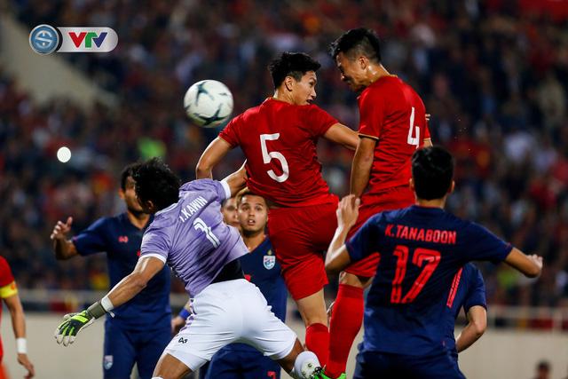 ẢNH: Đặng Văn Lâm tỏa sáng, ĐT Việt Nam bất phân thắng bại với ĐT Thái Lan - Ảnh 10.