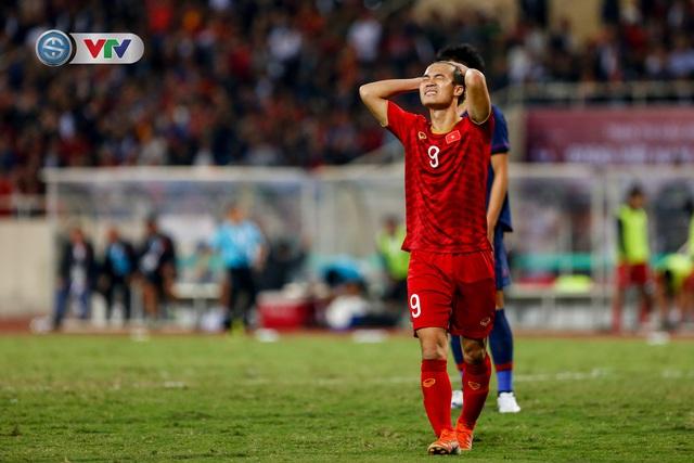 ẢNH: Đặng Văn Lâm tỏa sáng, ĐT Việt Nam bất phân thắng bại với ĐT Thái Lan - Ảnh 14.