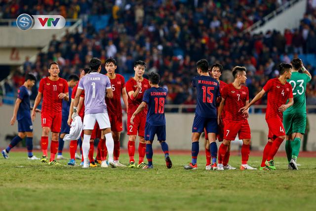 ẢNH: Đặng Văn Lâm tỏa sáng, ĐT Việt Nam bất phân thắng bại với ĐT Thái Lan - Ảnh 18.