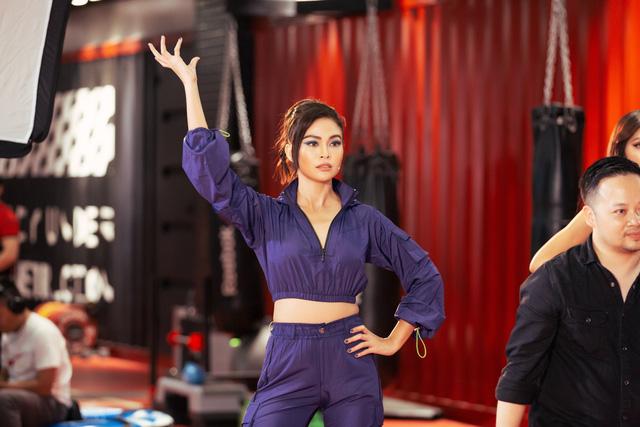 """H'Hen Niê trở lại tập 8 """"Tôi là Hoa hậu Hoàn vũ Việt Nam 2019"""" với mái tóc ấn tượng - Ảnh 2."""