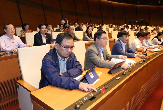 Hơn 90% đại biểu tán thành, Quốc hội thông qua Bộ luật Lao động (sửa đổi) năm 2019 - Ảnh 2.