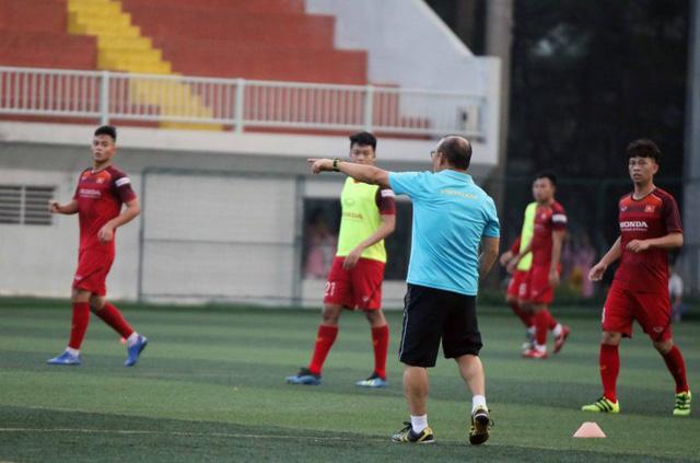 HLV Park Hang Seo: Tôi hiểu kỳ vọng của người hâm mộ Việt Nam về tấm HCV SEA Games - Ảnh 1.
