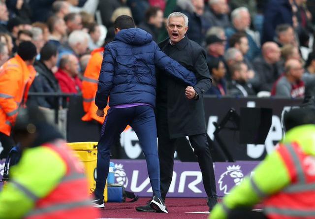 West Ham 2-3 Tottenham: Chiến thắng đầu tay của Mourinho - Ảnh 3.
