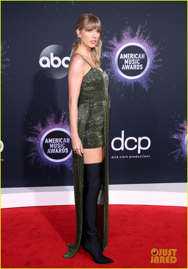 AMAs 2019: Taylor Swift đẹp không tì vết trên thảm đỏ - Ảnh 3.