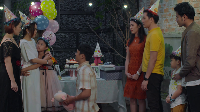 Tiệm ăn dì ghẻ - Tập 3: Giữa sinh nhật bé Hương, Minh phát hiện Ngọc dối trá bao năm qua - Ảnh 3.