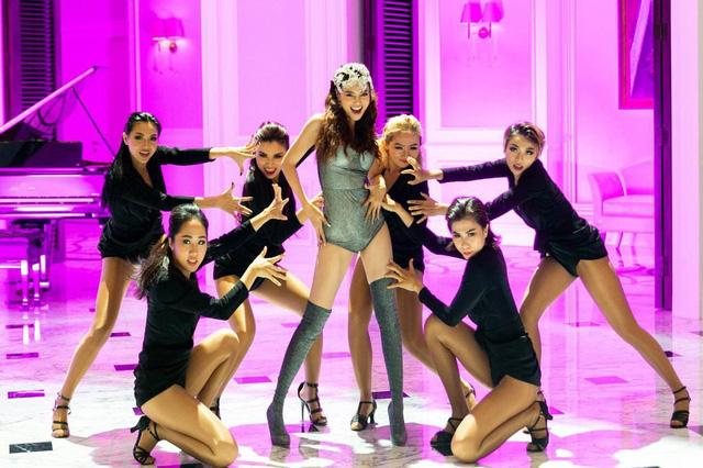 Lan Ngọc khoe vũ đạo, đọc rap trong MV mới - Ảnh 1.