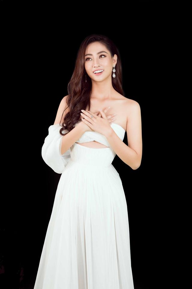 Miss World 2019: Lương Thùy Linh tung clip khoe giọng hát dự thi tài năng - Ảnh 5.