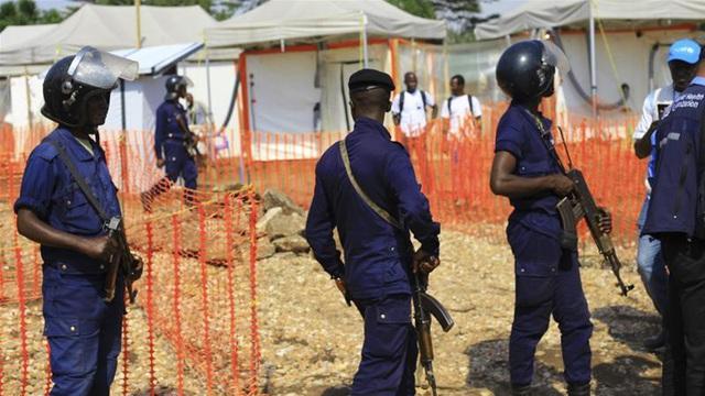 Trung tâm điều trị Ebola bị tấn công, 3 nhân viên WHO thiệt mạng - Ảnh 1.