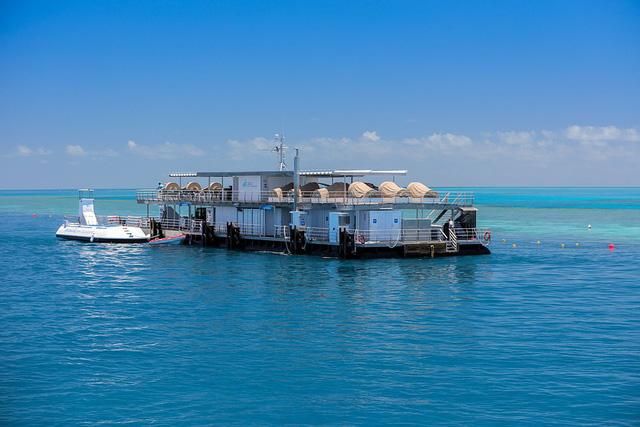 Ngắm nhìn khách sạn dưới nước đầu tiên của Úc - ảnh 5