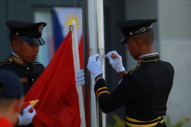 Quốc kỳ Việt Nam tung bay tại SEA Games 30 - Philippines 2019 - Ảnh 1.