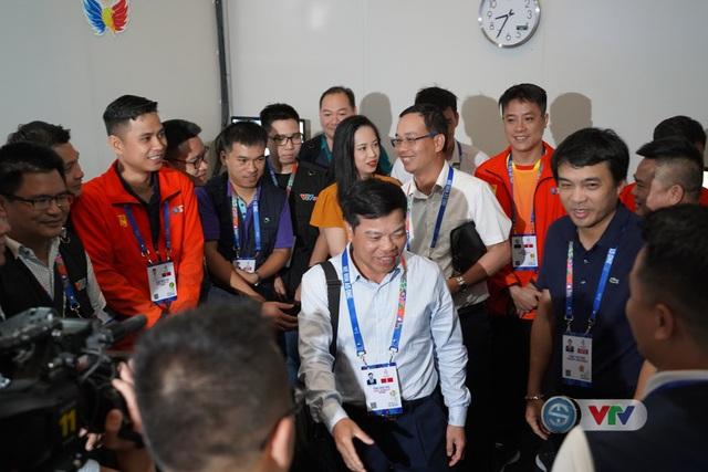 Phó Tổng giám đốc Đài Truyền hình Việt Nam Đinh Đắc Vĩnh đến IBC động viên đoàn công tác của VTV tại SEA Games 30 - Ảnh 2.