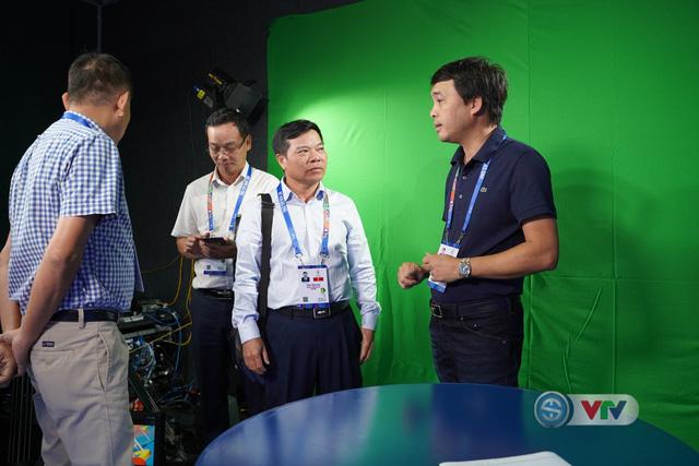 Phó Tổng giám đốc Đài Truyền hình Việt Nam Đinh Đắc Vĩnh đến IBC động viên đoàn công tác của VTV tại SEA Games 30 - Ảnh 3.