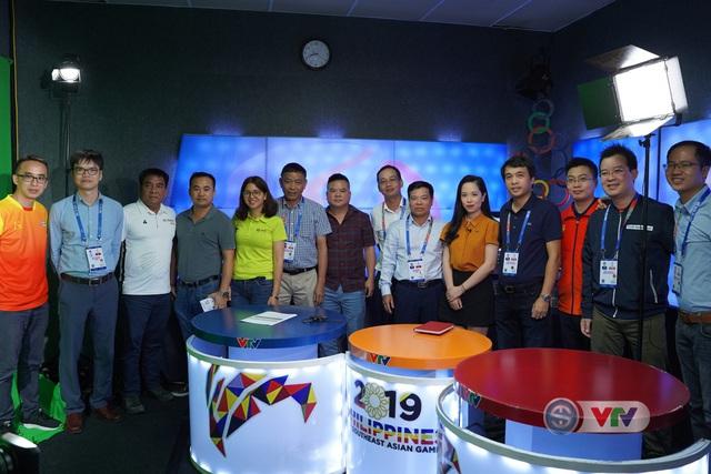 Phó Tổng giám đốc Đài Truyền hình Việt Nam Đinh Đắc Vĩnh đến IBC động viên đoàn công tác của VTV tại SEA Games 30 - Ảnh 4.