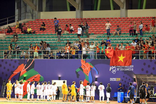 ẢNH: Thắng thuyết phục ĐT nữ Indonesia, ĐT nữ Việt Nam giành quyền vào bán kết SEA Games 30 - Ảnh 10.