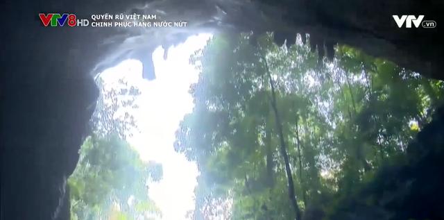 Hang Nước Nứt: Địa điểm du lịch lý tưởng cho du khách ưa mạo hiểm - Ảnh 1.