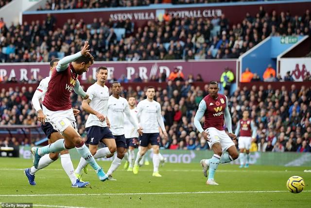 Aston Villa 1-2 Liverpool: Ghi 2 bàn trong 7 phút cuối, The Kop thắng kịch tính - Ảnh 1.