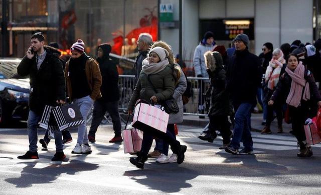 Người tiêu dùng Mỹ ngày càng thích mua sắm trực tuyến - Ảnh 1.