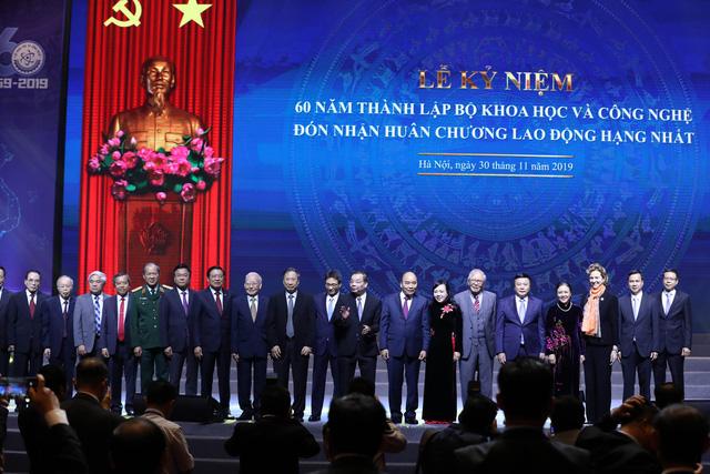 Bộ Khoa học và Công nghệ vinh dự nhận Huân chương Lao động hạng Nhất - Ảnh 9.