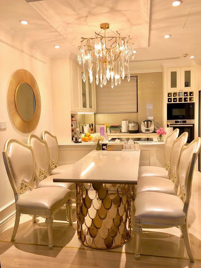 Ngắm căn hộ ấm cúng, ngập tràn sắc vàng của BTV Diệp Chi - Ảnh 3.