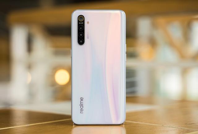 Realme XT sẽ được bán giới hạn ở Việt Nam: Chip Snapdragon 712, 4 camera, giá 7,99 triệu đồng - Ảnh 2.
