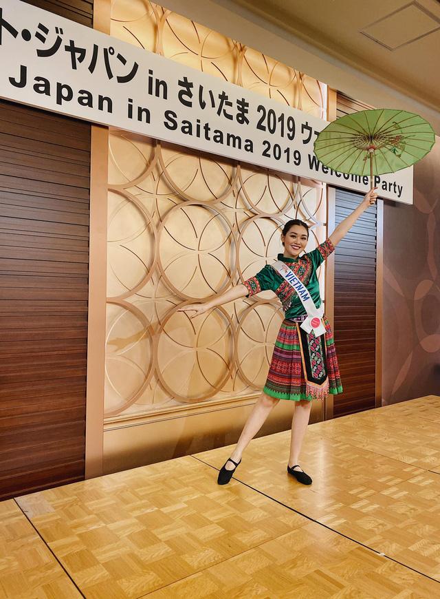 """Tường San nhảy """"Để Mị nói cho mà nghe khoe tài năng tại Miss International 2019 - Ảnh 1."""