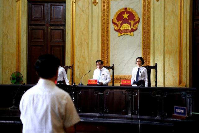 Xét xử phúc thẩm Nguyễn Hữu Linh: Giữ nguyên mức án 18 tháng tù - Ảnh 1.