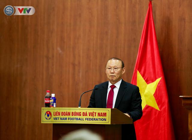 CHÍNH THỨC: Liên đoàn bóng đá Việt Nam gia hạn hợp đồng thành công với HLV Park Hang Seo - Ảnh 3.