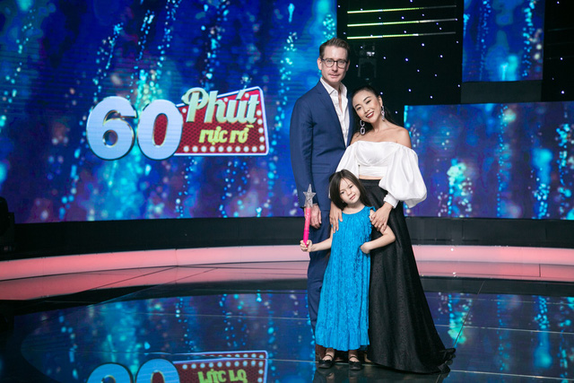 Công chúa nhà Đoan Trang náo loạn hậu trường 60 phút rực rỡ - Ảnh 1.