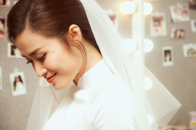 Diện áo dài giản dị, Đông Nhi đẹp xuất thần trong lễ rước dâu - Ảnh 6.