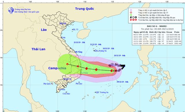 Đêm 10/11, bão số 6 đổ bộ Quảng Ngãi, Bình Định, Phú Yên - Ảnh 1.