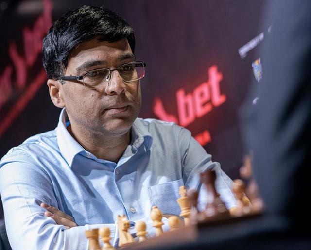 Lê Quang Liêm thắng cựu Vua cờ người Ấn Độ Anand Viswanathan - Ảnh 1.