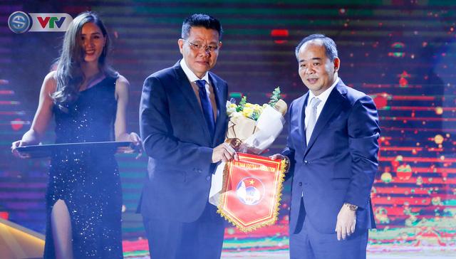ẢNH: Các danh hiệu ấn tượng tại lễ trao giải AFF Award 2019 - Ảnh 1.