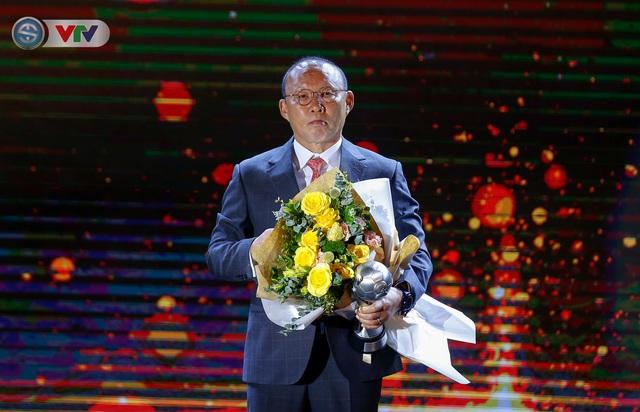 ẢNH: Các danh hiệu ấn tượng tại lễ trao giải AFF Award 2019 - Ảnh 8.