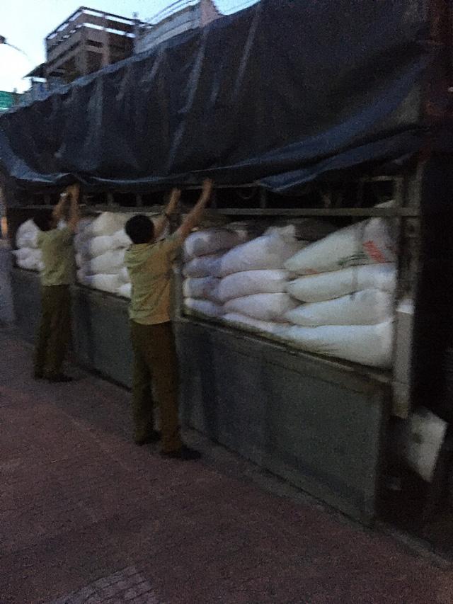 An Giang thu giữ trên 28 tấn đường nhập lậu trong vòng 2 tháng - Ảnh 2.