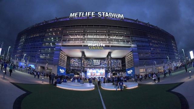 UEFA xem xét thay đổi địa điểm tổ chức chung kết Champions League - Ảnh 1.