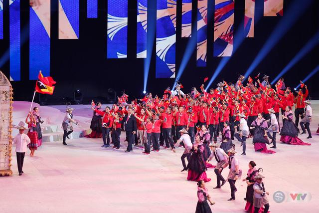 ẢNH: Lễ khai mạc SEA Games 30 đơn giản nhưng đậm màu sắc và giàu ý nghĩa - Ảnh 9.