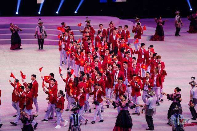 ẢNH: Lễ khai mạc SEA Games 30 đơn giản nhưng đậm màu sắc và giàu ý nghĩa - Ảnh 13.