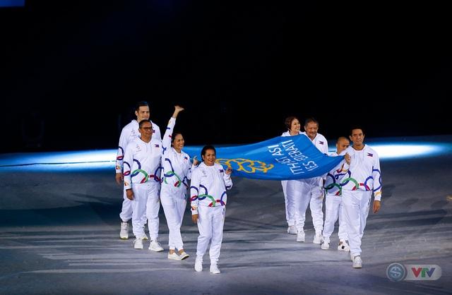 ẢNH: Lễ khai mạc SEA Games 30 đơn giản nhưng đậm màu sắc và giàu ý nghĩa - Ảnh 17.