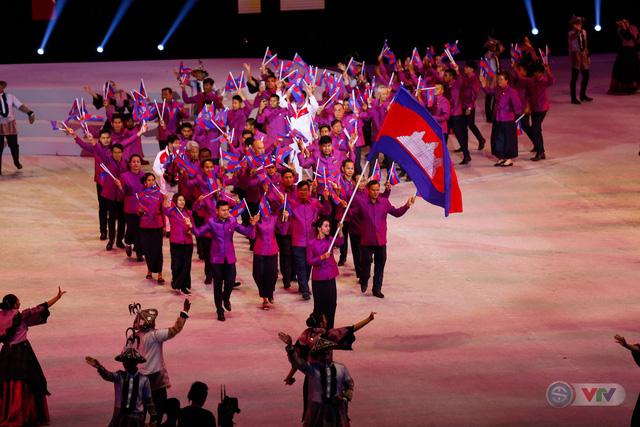 ẢNH: Lễ khai mạc SEA Games 30 đơn giản nhưng đậm màu sắc và giàu ý nghĩa - Ảnh 7.