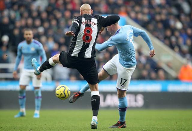 Newcastle 2-2 Man City: Cầm vàng lại để vàng rơi... - Ảnh 2.