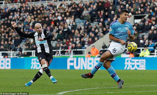 Newcastle 2-2 Man City: Cầm vàng lại để vàng rơi... - Ảnh 3.